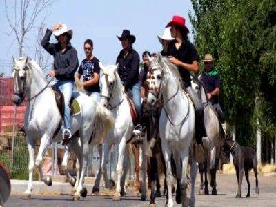 1 h a caballo + menú en Grajera, Segovia