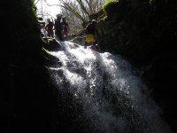 Descenso de rappel por el torrente