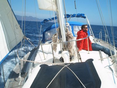 8-hour sailboat rental Middle Season