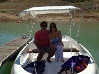 pareja en el barco
