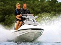 Impara a guidare una moto d'acqua