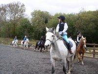 阵营PONY谱尼徒步和骑马学校