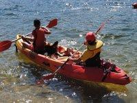 独木舟载两个人的标志