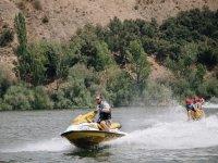 Circuito con le moto d'acqua
