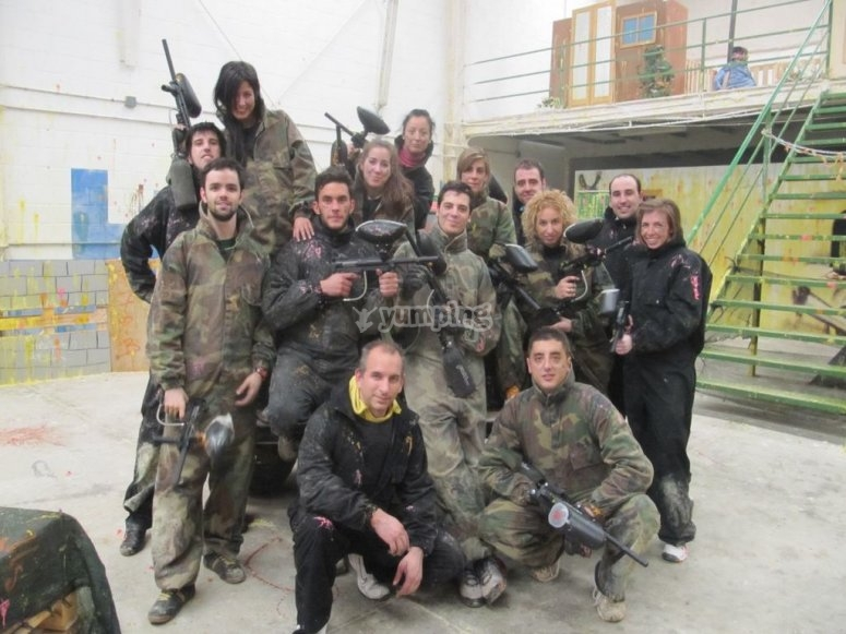 Gioco di paintball indoor