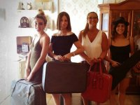 Chicas con maletas