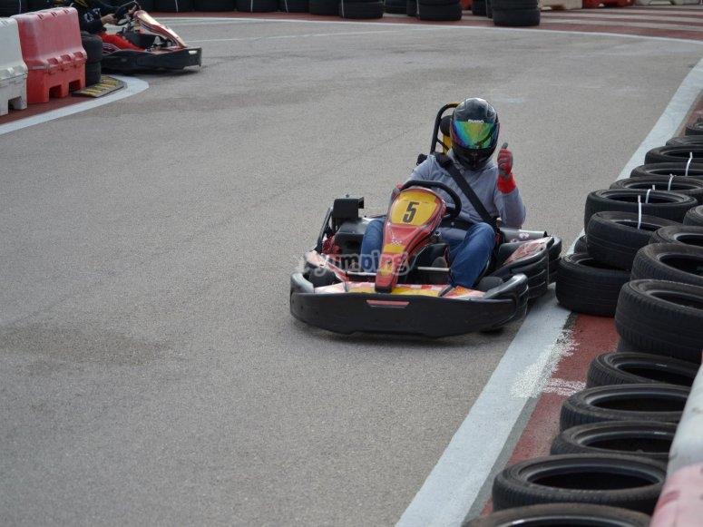 Tanda de karting para adultos