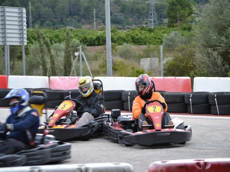 Carrera completa de karting