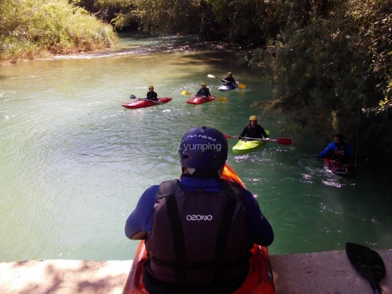 Ingresso nel fiume Cabriel con la canoa