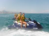 Con amigos en las motos de agua