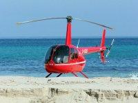 从penon Helicoptero海滨-999鸟瞰图 - 悬停在海面
