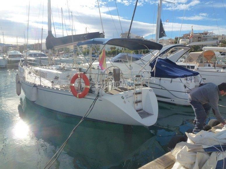 Nuestro barco amarrado