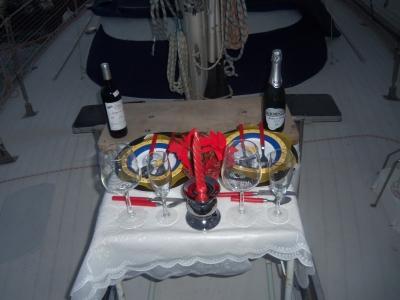 Paseo en velero de lujo y cena en Alicante 4 horas