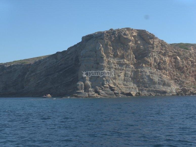Paso entre Isla Conejera y del Bosque, en Baleares.