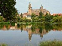 Salamanca desde el río Tormes