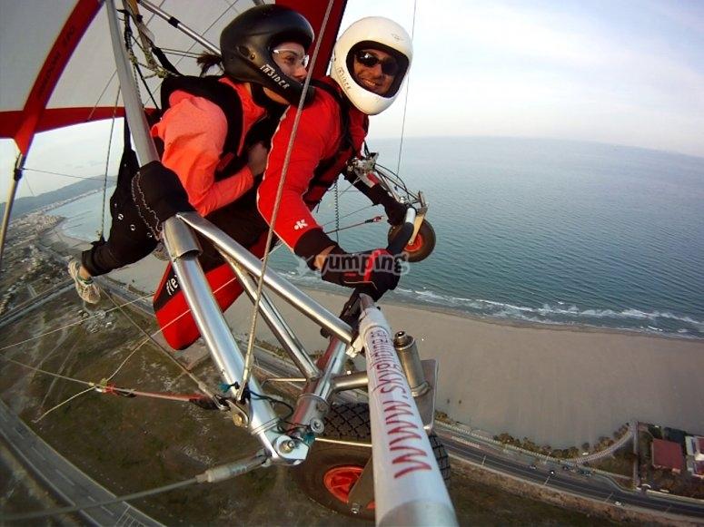悬挂式滑翔机的双人飞行
