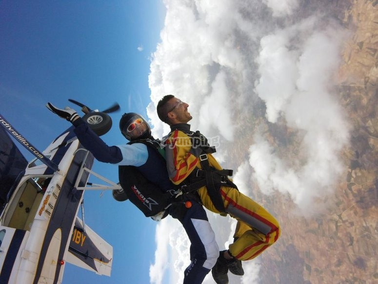 Saltando dall'aereo