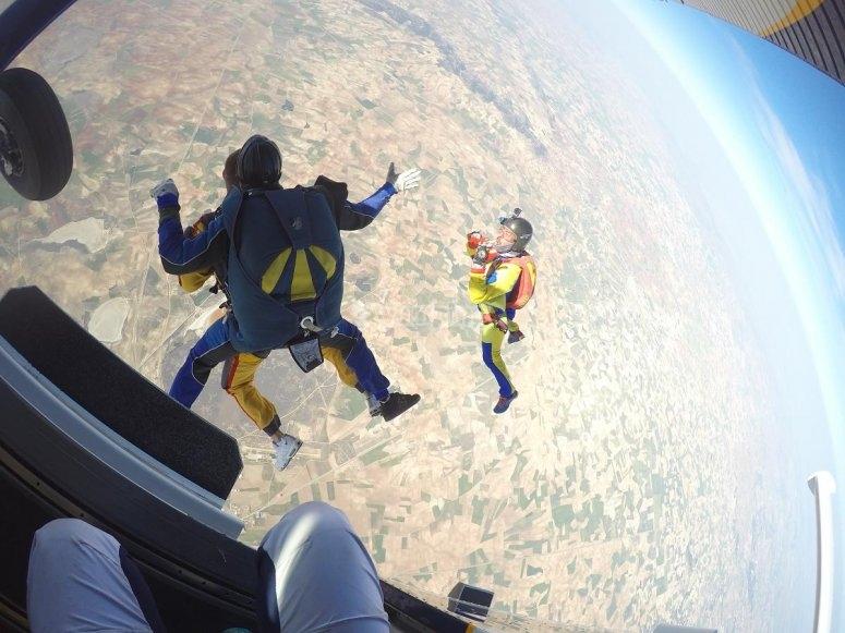 Salto con paracadute vicino a Madrid
