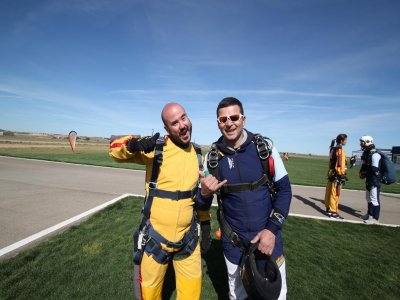 Salto tándem curso paracaidismo y titulación Lillo
