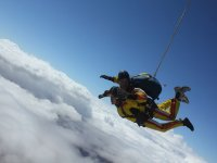 Becoming a professional skydiver