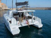 Una fiesta flotante en nuestro catamarán