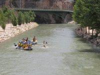 Aguas tranquilas en río Segura