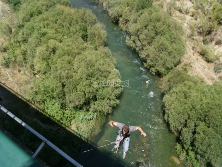 Aventura adrenalina y naturaleza
