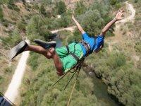 Salto de puenting sobre el Cabriel