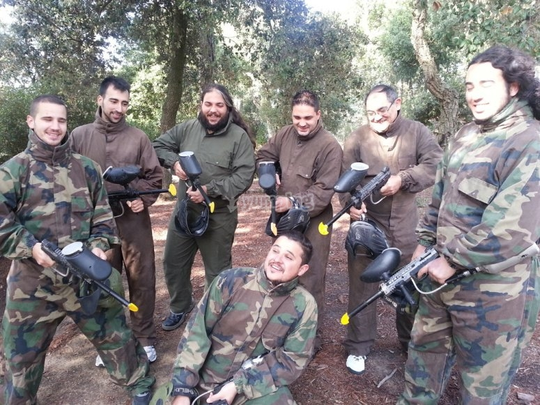 Playing paintball at Dosrius