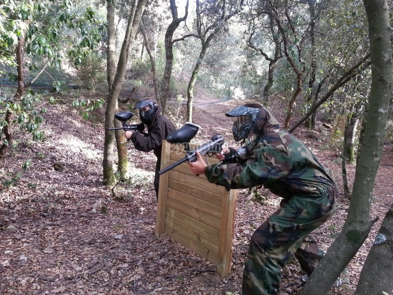 Thrilling paintball game