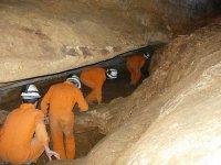 Pasando por una gruta