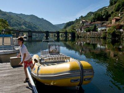 Paseo en barca + picnic. 4 h y 30 min. Río Miño