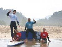 Aprendiendo surf en Llanes