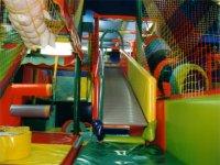 Disfruta en nuestro parque infantil