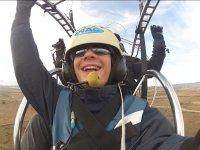 滑翔伞的乘客