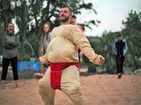 Combattimenti di sumo a Ibiza