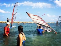 Praticare il windsurf a Santa Pola