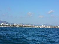 享受巴塞罗那海岸