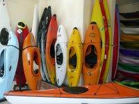 Kayaks aguas bravas, surf, olas