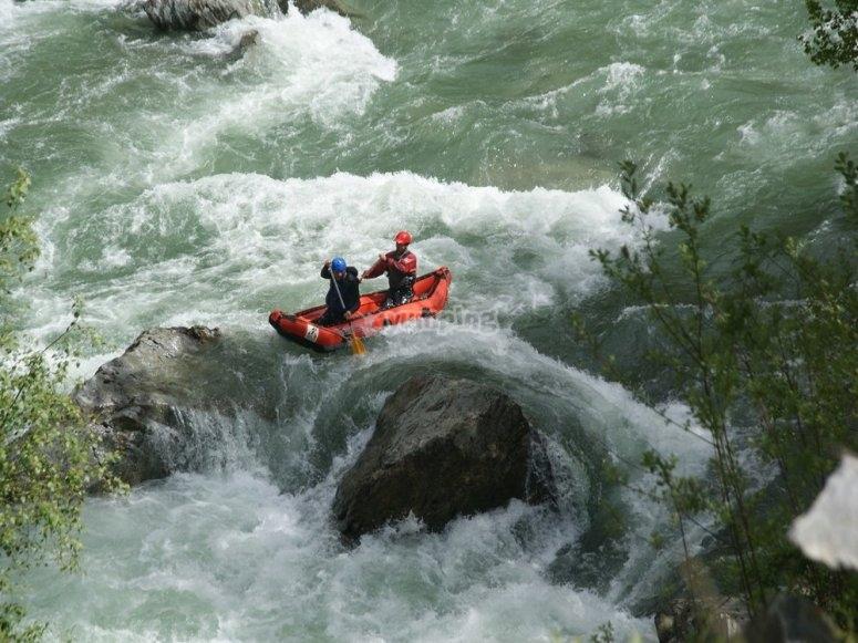 Canoa para aguas bravas