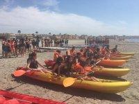 Kayaks preparados para zarpar