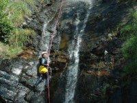 水滑梯在莱里达比利牛斯山脉trepidantes在Bungalows Barranco在春季和夏季