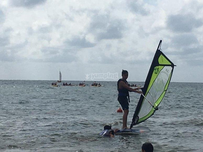 aprende windsurf