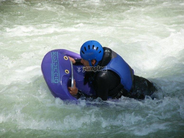 Navegando en hidrospeed en Llavorsí