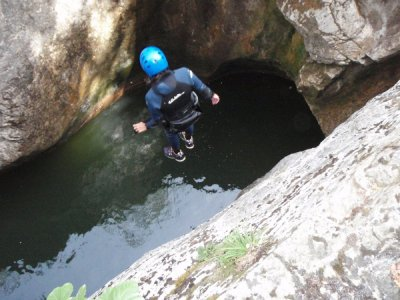 Medium-level canyoning descent in Sant Pere