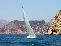 Naviga lungo la costa di Valencia