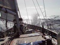 Le onde colpiscono la nave
