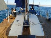 Sentado en cubierta durante la navegacion