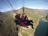由索尔特,Valls d'Àneu或其他人进行的滑翔伞飞行