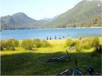 Parada con las bicis para disfrutar de las vistas